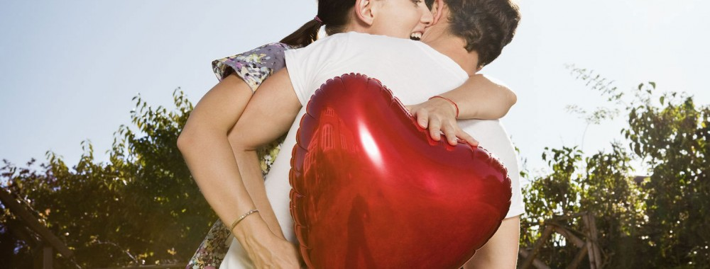 online dating valentines day gifts February is usually a slow month for the dating site, primarily because of the large spike january brings (gotta love new year resolutions) that said, valentine's day is the outlier.